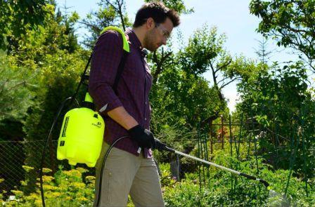 Опрыскиватели садовые ручные